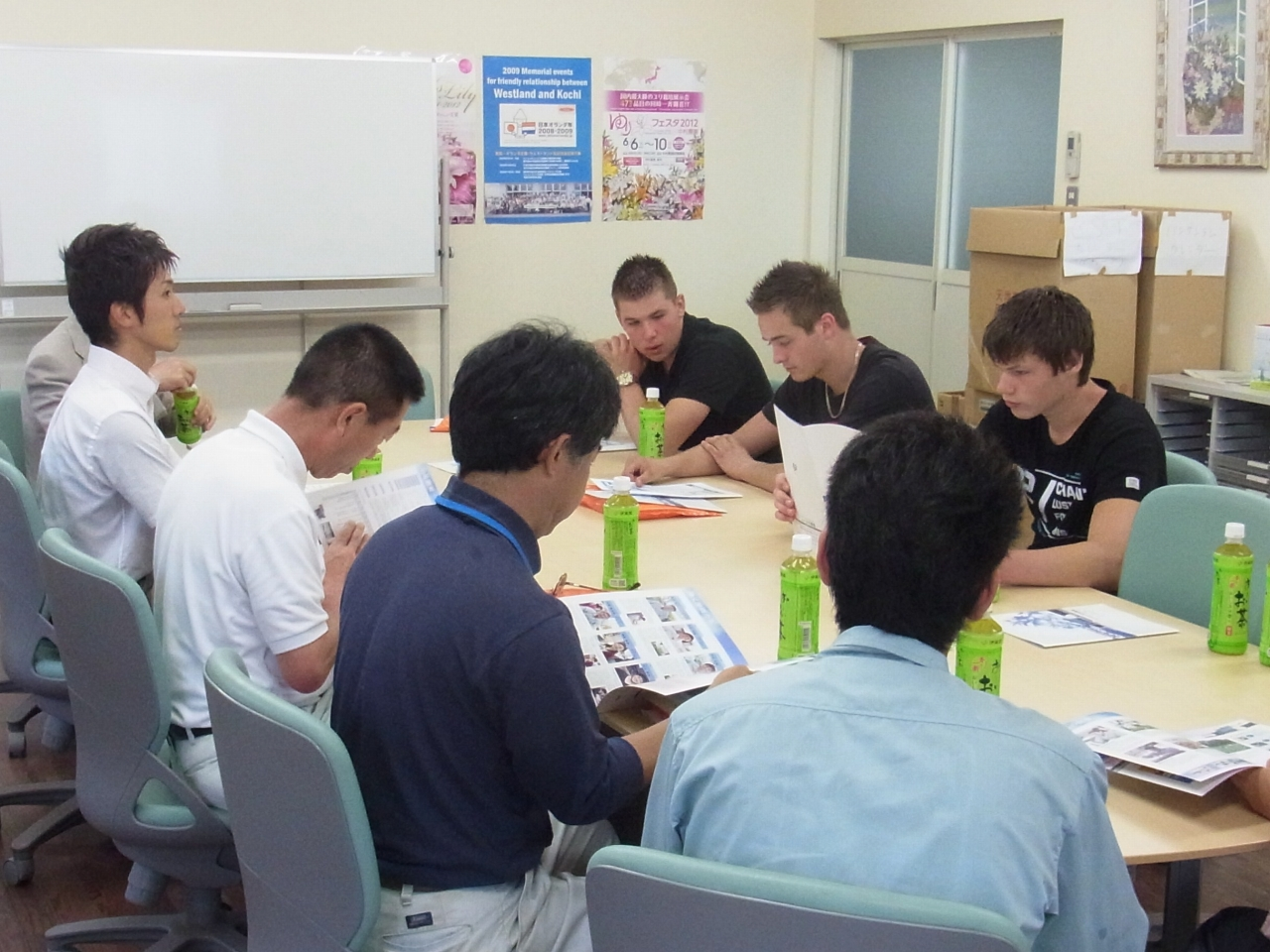 オランダ レンティス校の学生が来社 (2012/6/15)